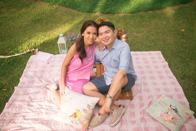 Laid-Back Engagement Session by MR Villar Photography - 039