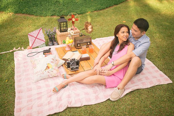 Laid-Back Engagement Session by MR Villar Photography - 040