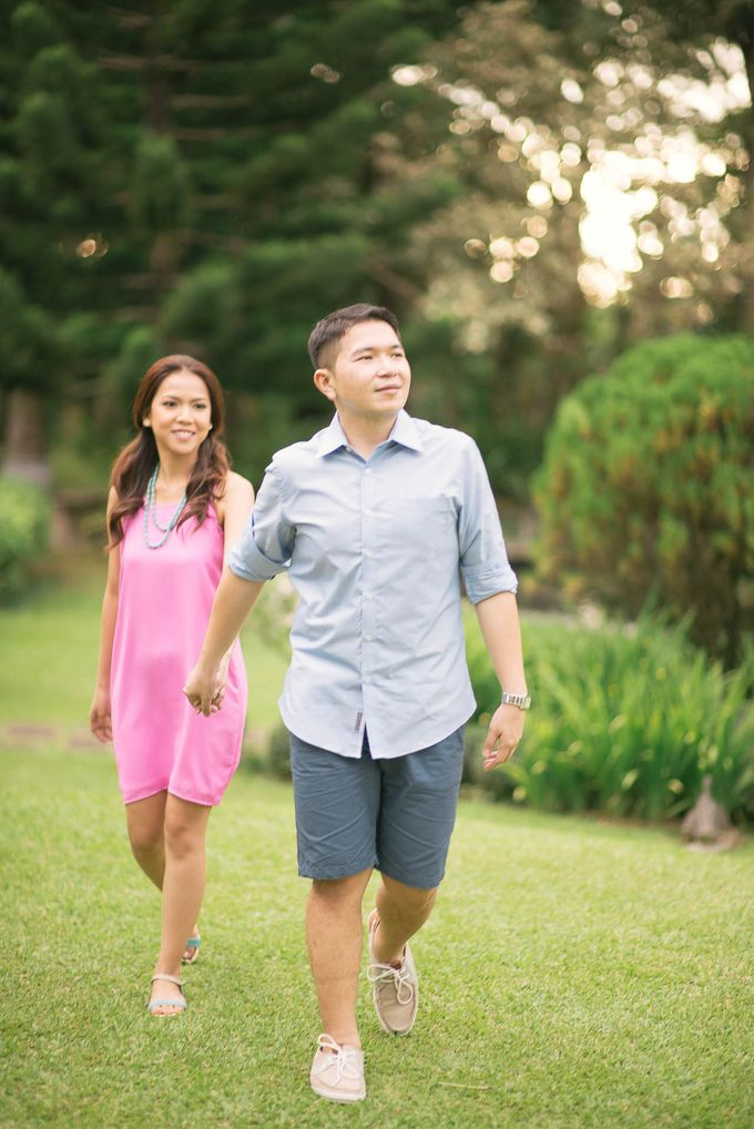 Laid-Back Engagement Session by MR Villar Photography - 042