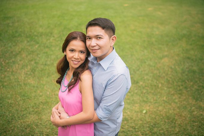 Laid-Back Engagement Session by MR Villar Photography - 044