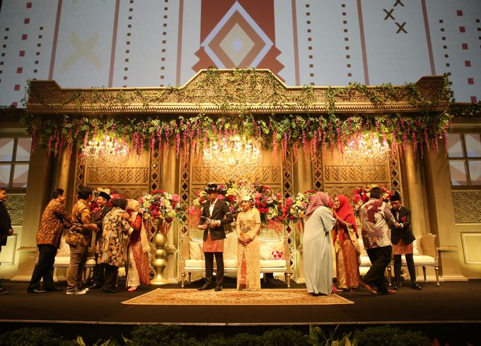 Modern Mandailing Wedding with Video Mapping by Dikaderadjat - 025