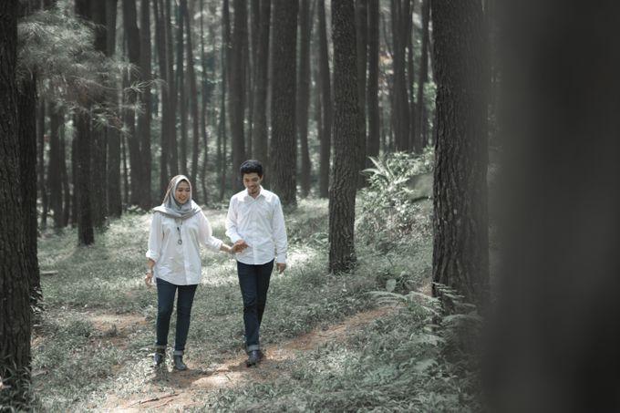 Farah Arif Prewedding At Gunung Pancar By Karna Pictures