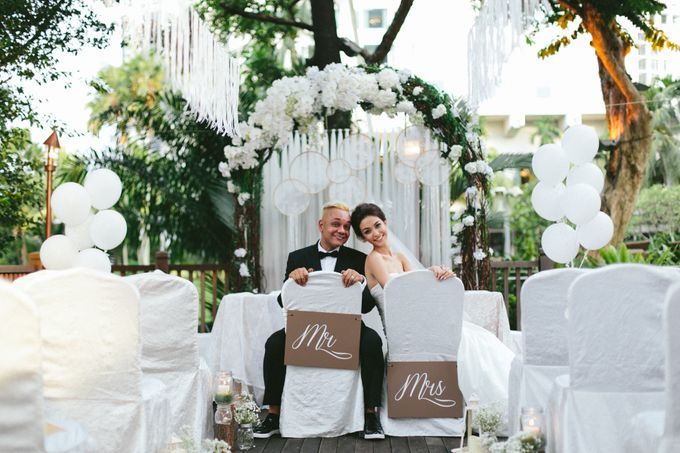 A White Rustic Wedding For Vernon and Jayne by MerryLove Weddings - 008