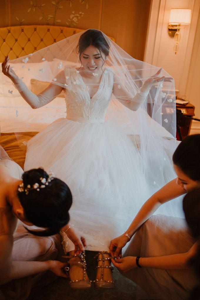 Rustic White Wedding of Astrina Chandra by With Every - 008