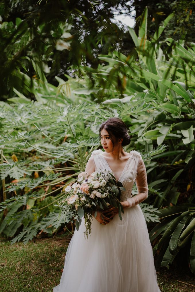 Rustic White Wedding of Astrina Chandra by With Every - 012