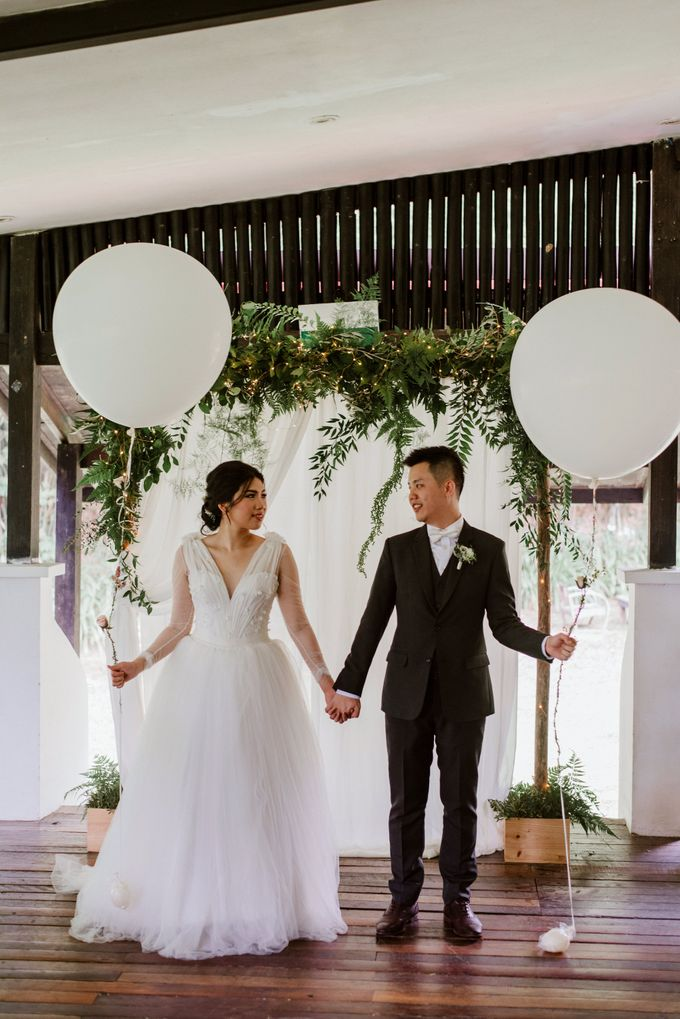 Rustic White Wedding of Astrina Chandra by With Every - 014