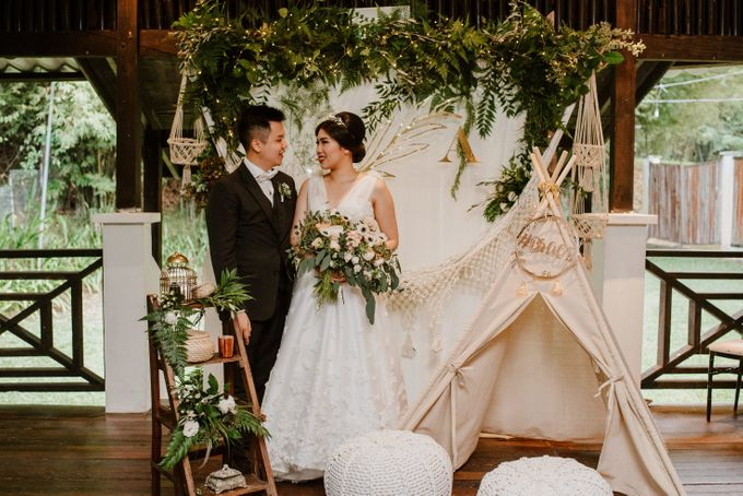 Rustic White Wedding of Astrina Chandra by With Every - 003