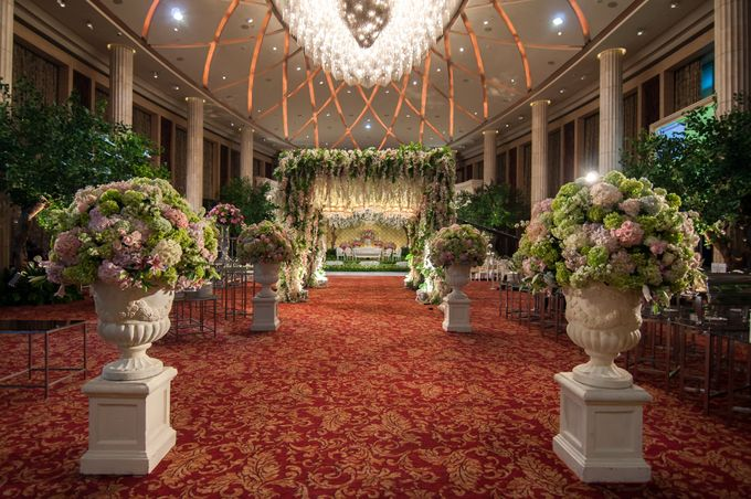 Wedding at Bali Room - Hotel Indonesia Kempinski Jakarta by Hotel Indonesia Kempinski Jakarta - 012