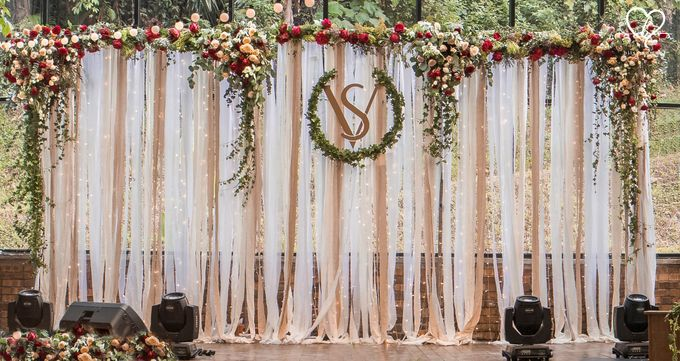 Sujev & Vijeeta - New Zealand Inspired Vintage Rustic Wedding Reception by Blissmoment - 013