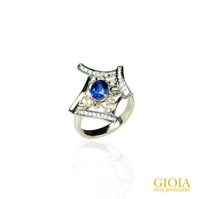 Blue Sapphire Ring by GIOIA FINE JEWELLERY - 004