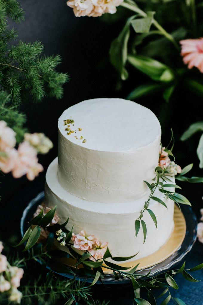 Floral Wedding Cake by Teaspoon of Love - 009