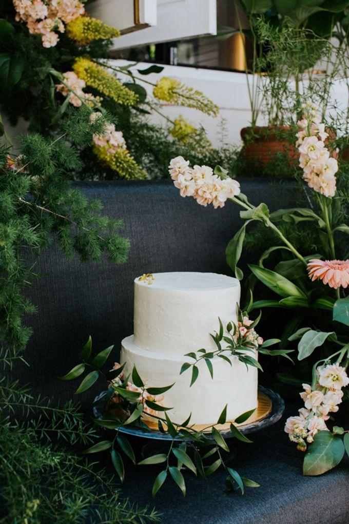 Floral Wedding Cake by Teaspoon of Love - 008