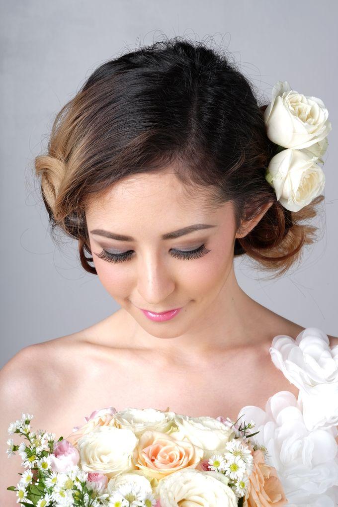 Romantic Bride Look by Arini Makeup Artist - 002