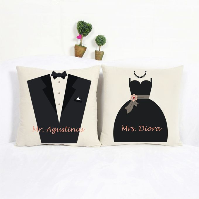 Bantal Sofa dekorasi wedding Bride and Groom by Dior Gift - 001