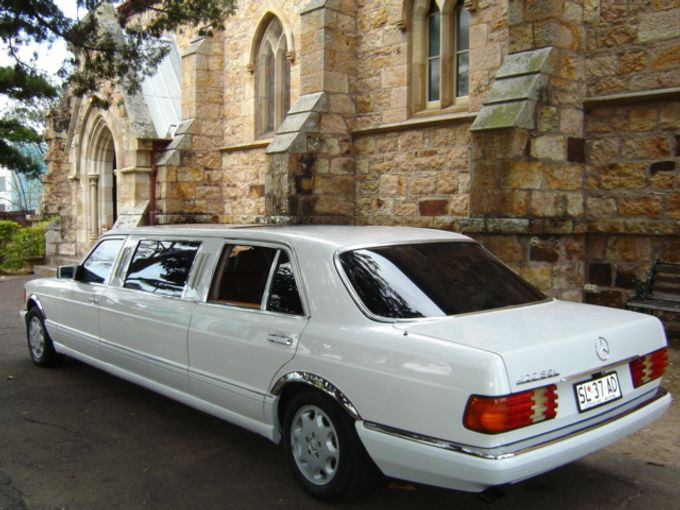 Mercedes 7 seat Classic Stretch Limousines by Tic Tac Tours & Premier Limousines - 010