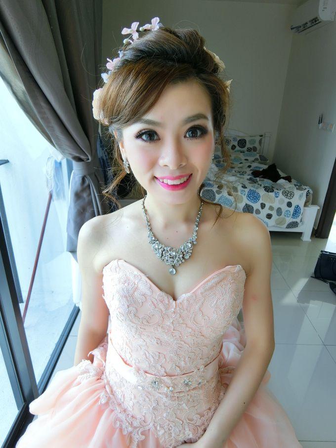 Bride Actual Day by Suz Make Up & Hairdo - 010