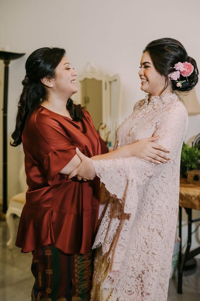 Cindya & Keisar Engagement by Pennyhairdo - 013
