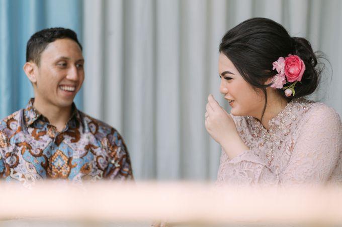 Cindya & Keisar Engagement by Pennyhairdo - 011