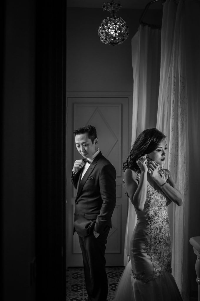 Jenn Fei & Carrie - Our Love Story Begins by Acapella Photography - 030