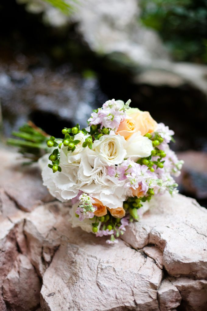 Bridal Bouquets by The Olive 3 (S) Pte Ltd - 008