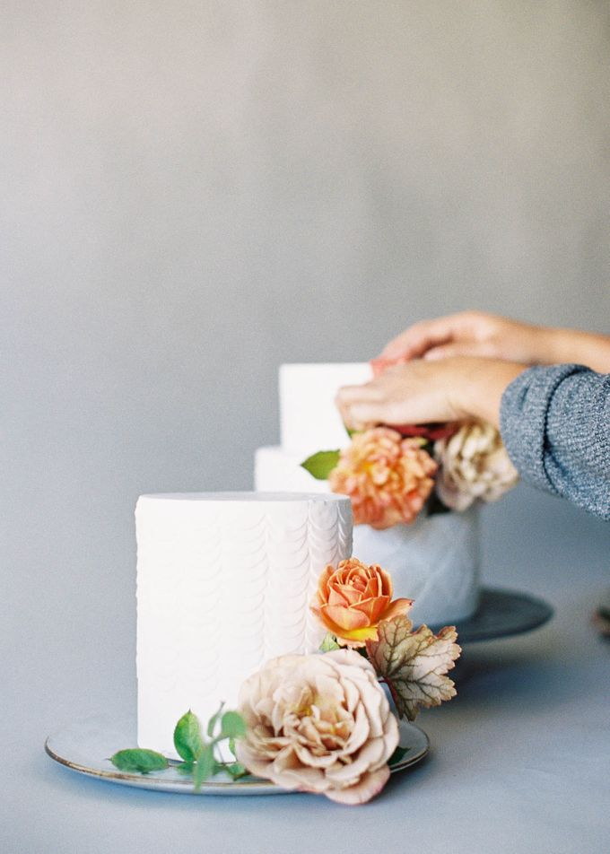 Lush Botanical Cake Design Inspiration for the Naturalist Bride by Jen Huang Photo - 001