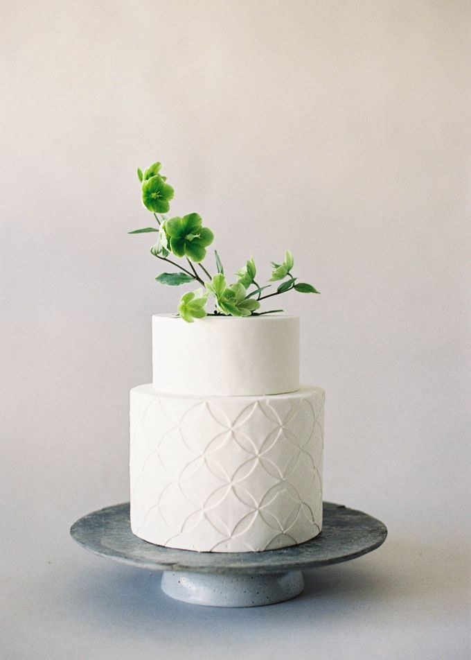 Lush Botanical Cake Design Inspiration for the Naturalist Bride by Jen Huang Photo - 014