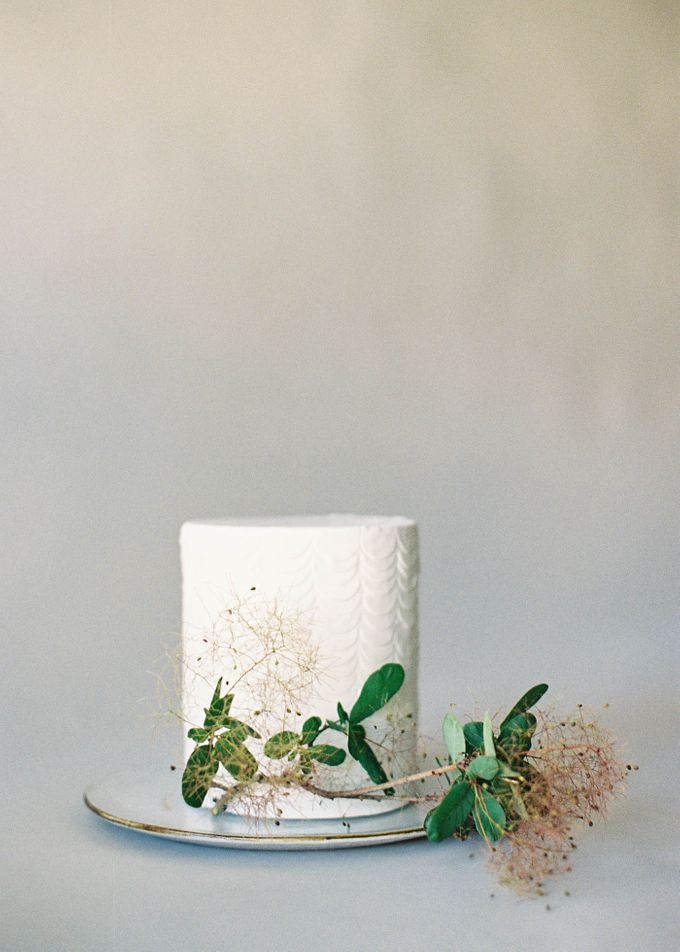Lush Botanical Cake Design Inspiration for the Naturalist Bride by Jen Huang Photo - 021