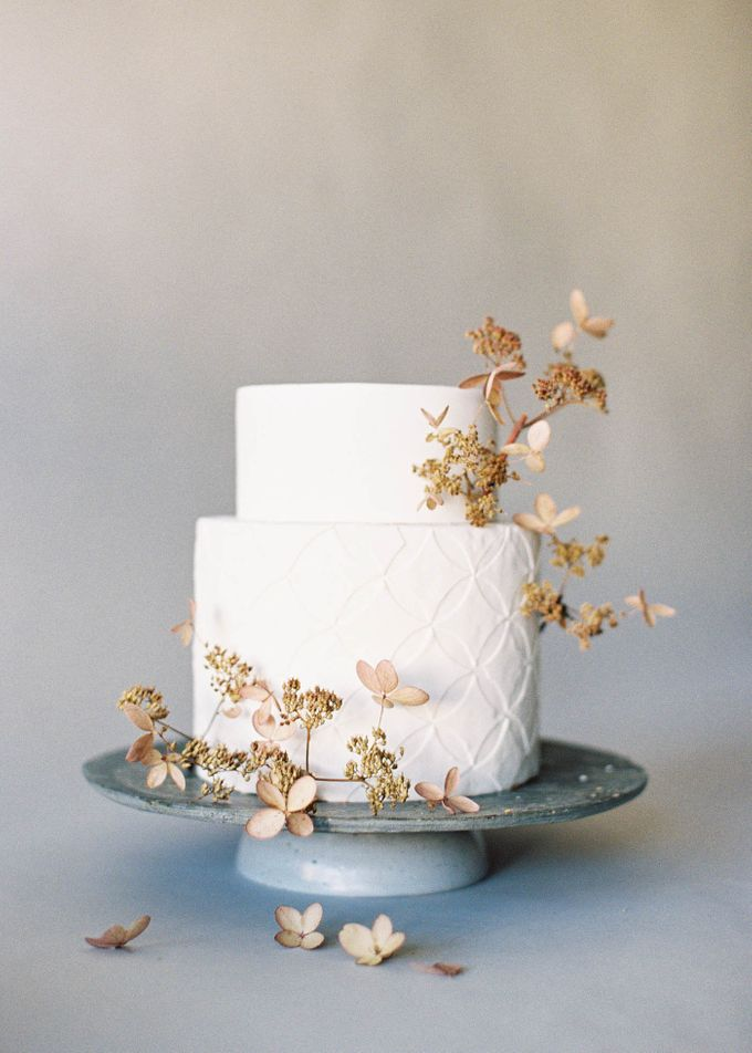 Lush Botanical Cake Design Inspiration for the Naturalist Bride by Jen Huang Photo - 004
