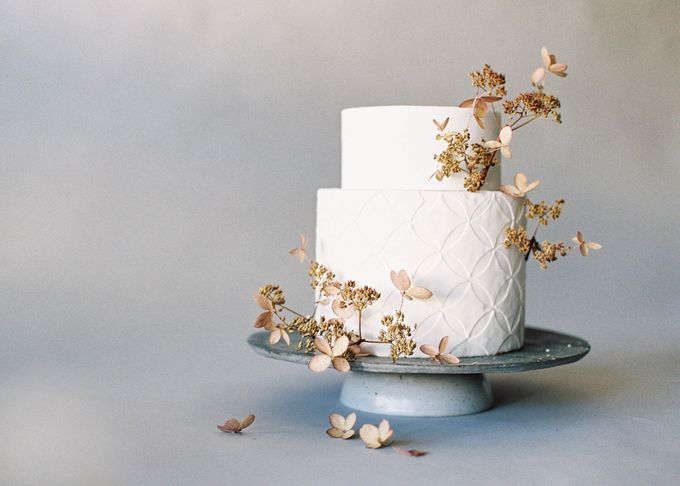 Lush Botanical Cake Design Inspiration for the Naturalist Bride by Jen Huang Photo - 005