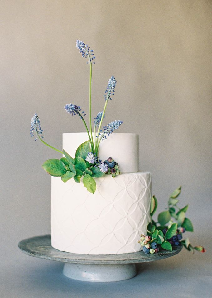Lush Botanical Cake Design Inspiration for the Naturalist Bride by Jen Huang Photo - 007
