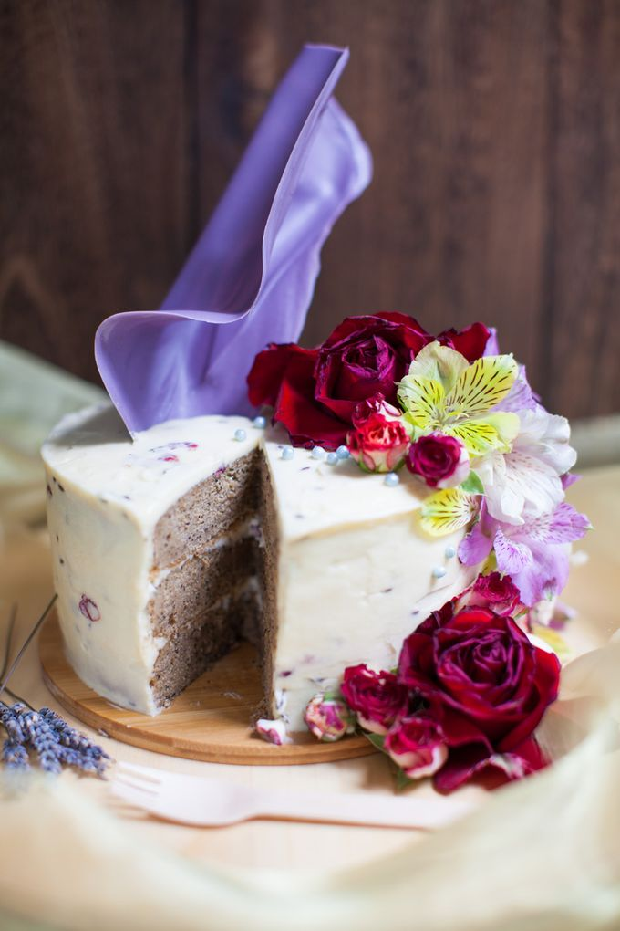 Chocolate Crowns & Florals by Cake & Wildflour - 005