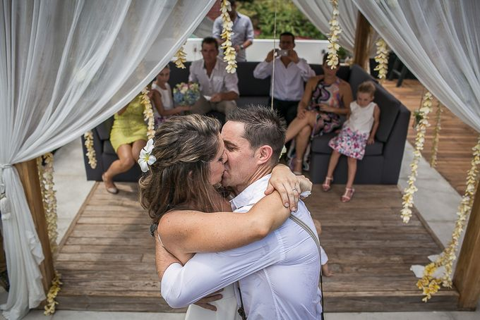 Cara and Sam Wedding at villa Vogel by Ferry Tjoe Photography - 029
