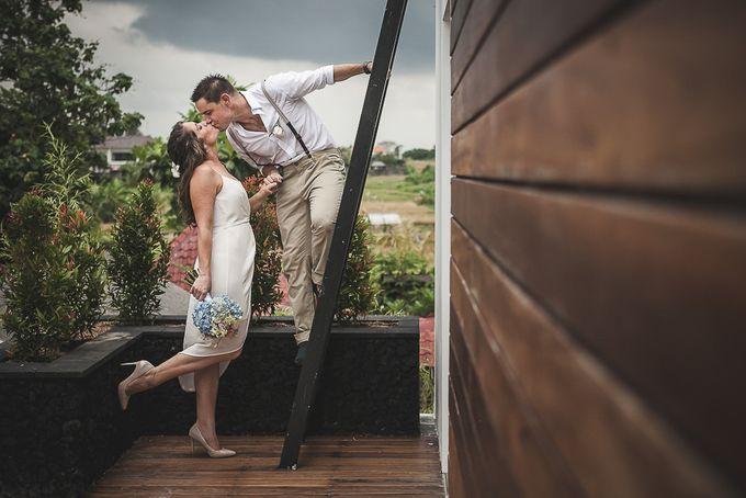 Cara and Sam Wedding at villa Vogel by Ferry Tjoe Photography - 033