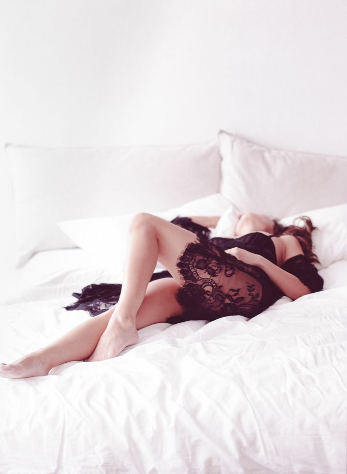 Sensual Boudoir by Chen Sands Photography - 001