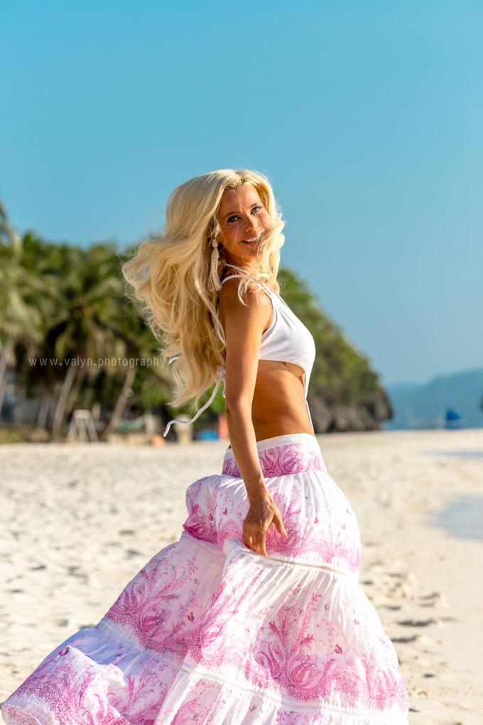 Zlataslava Boracay Style Prewedding Photo Shoot by Valyn Photography - 013