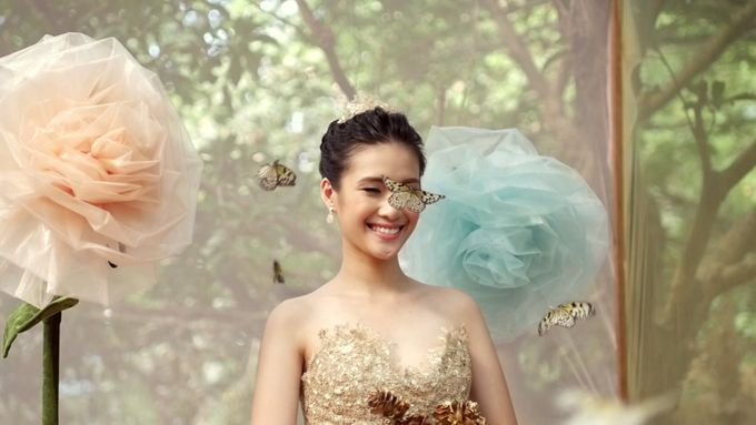 Rebelle - Into the Woods x Cinderella Wedding by Aisle 1401 - 002
