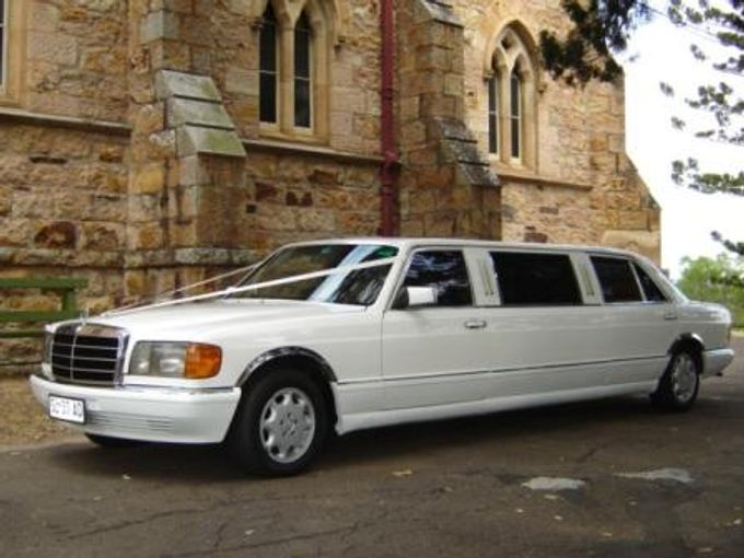 Mercedes 7 seat Classic Stretch Limousines by Tic Tac Tours & Premier Limousines - 007