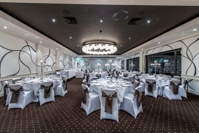 Gala Ballroom 100 - 220 guests by Brighton Savoy - 004