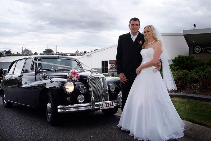 Classic Daimler major Magestic Wedding Car by Tic Tac Tours & Premier Limousines - 008