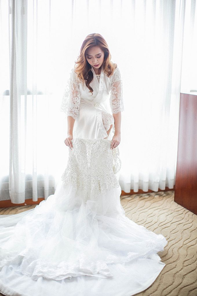 Crowne Plaza Ortigas Wedding by Lloyed Valenzuela Photography - 023