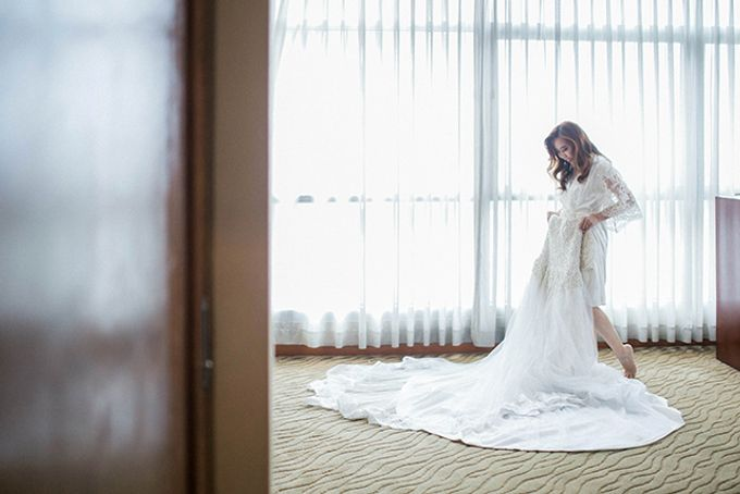 Crowne Plaza Ortigas Wedding by Lloyed Valenzuela Photography - 024
