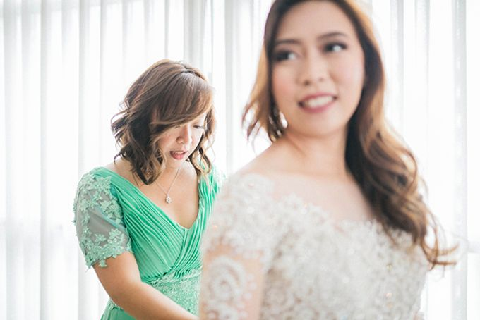Crowne Plaza Ortigas Wedding by Lloyed Valenzuela Photography - 028