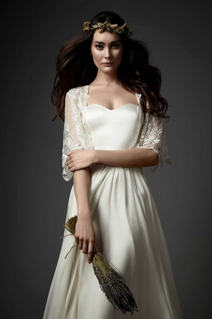 Catherine Deane by Frieda Brides - 003