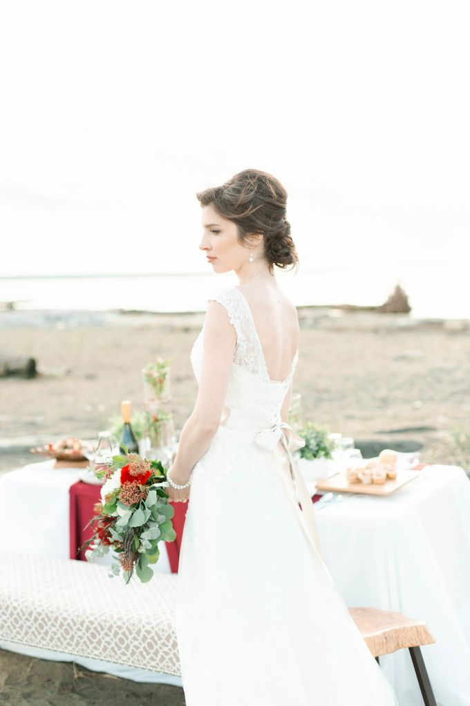 A Styled Bridal Shoot by Rebecca Ou Photography - 033