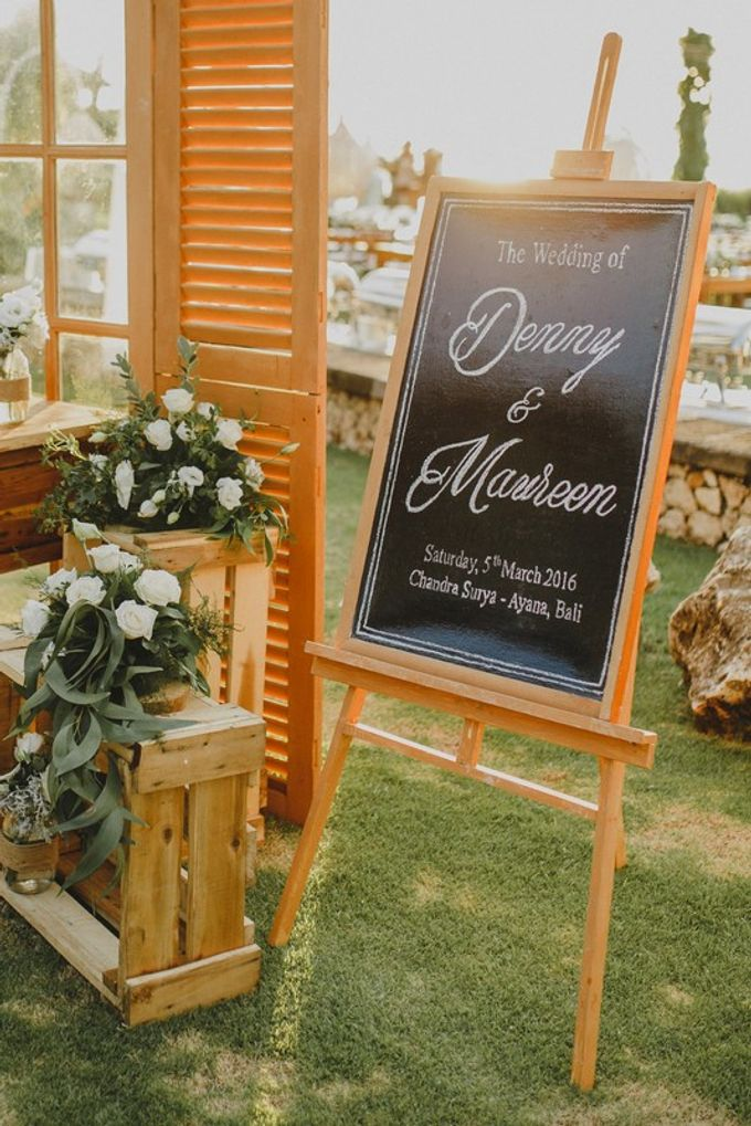 Maureen & Denny Simply White Rustic Wedding by Red Gardenia - 001