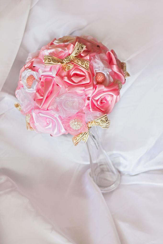 Pink Gold Bridal Brooch Bouquet by Marini Bouquets - 006