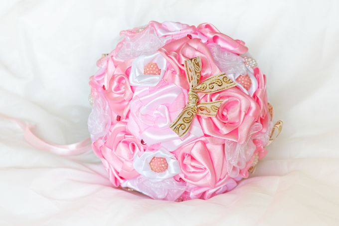 Pink Gold Bridal Brooch Bouquet by Marini Bouquets - 002