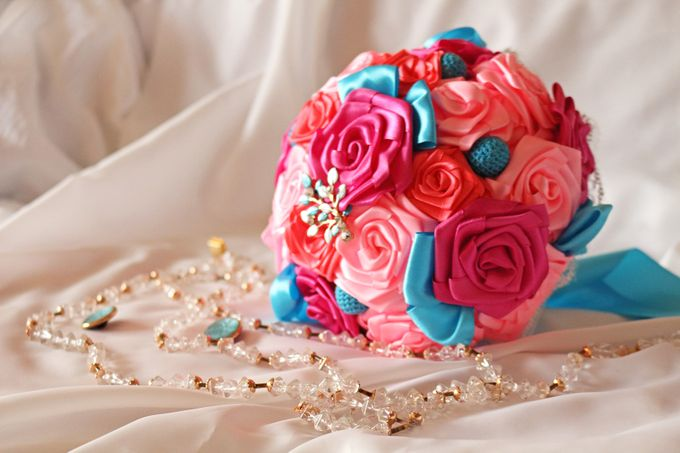 Mexicana Red Pink Fuchsia Blue Bridal Brooch Bouquet by Marini Bouquets - 011