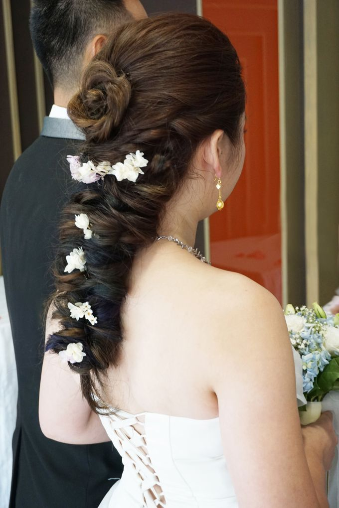Actual Day Bridal Makeup and Hairstyling (Sharon + Zhi Xiong) - Romantic, Floral Bohemian Chic. by Sylvia Koh Makeup and Hairstyling - 015