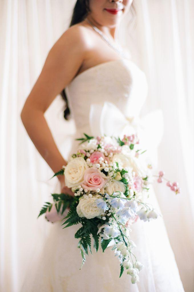 Elina & Erick / Balesin Wedding by Verse Studios - 009